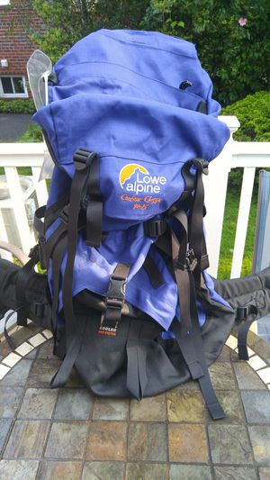 Lowe Alpine Contour Classic 90+15 backpack. for Sale in Silver Spring, MD