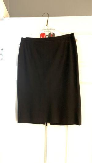 Bcbg maxazria Black skirt size 0 for Sale in Laguna Niguel, CA