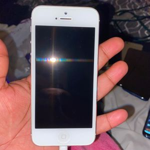 Instinct IPHONE 5 for Sale in Germantown, MD