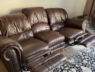 Leather Couch/Sofa with Dual Recliners for Sale in San Diego,  CA