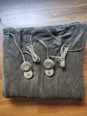 Electric Blanket for Sale in Chicago, IL