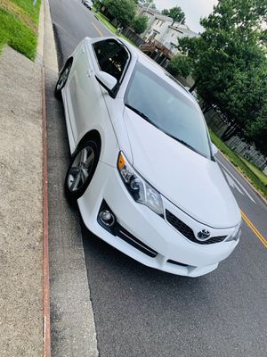 2013 Toyota Camry SE Clean title for Sale in Upper Marlboro, MD