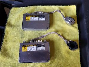 Lexus IS300 OEM headlight ballasts for Sale in Streamwood, IL