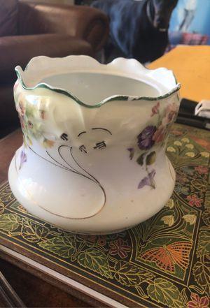 Pen holder/ flower pot 🤷♀️ for Sale in Las Vegas, NV