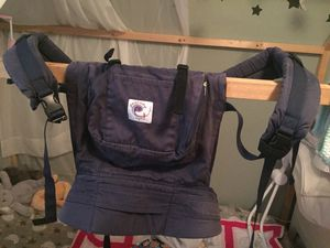 Comfy ergo baby carrier for Sale in Everett, WA