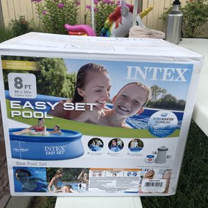 INTEX EASY SET POOL with FILTER PUMP for Sale in Rockville, MD