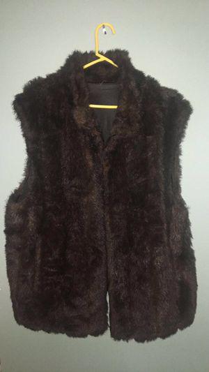 Plus 2-way reversible Fur vest for Sale in Garden City, MI