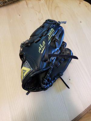 Kids baseball glove for Sale in Wall Township, NJ
