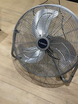 Lasko Industrial Fan Hardly Used Regularly Cleaned for Sale in Los Angeles,  CA