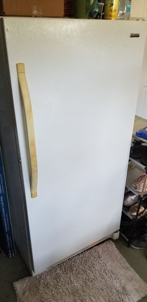 Fridge and freezer for Sale in Alafaya, FL