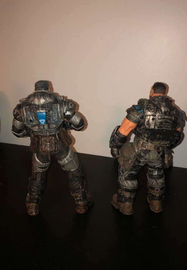 Gears of war 2 Marcus and Dom action figures