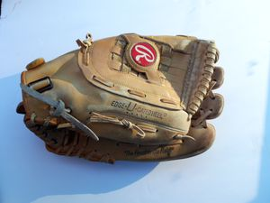 "Rawlings Baseball Glove Fast Back Model Pad Lock RSG1 13 1/2"" for Sale in Monterey Park, CA"