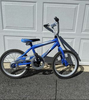 """16"""" boys bike with training wheels age 4 to 6 for Sale in Mechanicsburg, PA"""