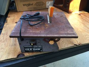 Tile saw works great newer blade $15 for Sale in Margate, FL