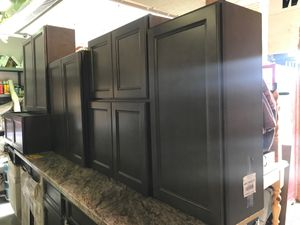 Luxury 12-Piece Kitchen Cabinet Set- SOLID WOOD for Sale in Greensboro, NC