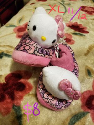 "Hello kitty slippers ""Pantunflas"" for Sale in Cicero, IL"
