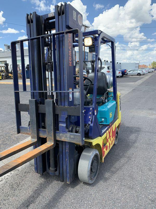 Komatsu Forklift 3000lb