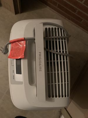 Frigidaire dehumidifier for Sale in Apex, NC