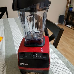 Vitamix 5300 Blender, Professional-Grade, 64 oz. Low-Profile Container, Red for Sale in Kirkland, WA