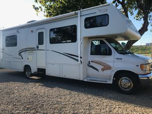 2000 jayco eagle 30ft Class c E-450 with 24k original miles for Sale in Mesquite, TX