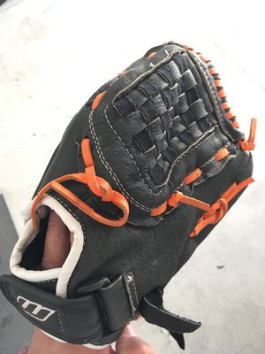 Worth fastpitch glove for Sale in DEVORE HGHTS, CA