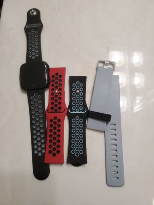 Fitbit versa with 4 bands for Sale in Ashland City, TN