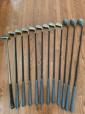 Men's Tour Select Golf Clubs for Sale in Bolingbrook, IL