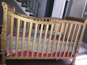 Convertible Crib for Sale in Burlington, NJ