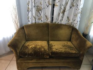 Free love seat for Sale in Miami, FL