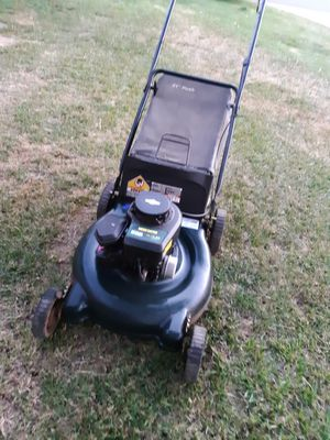 Lawn mower runs perfect like new for Sale in Riverside, CA