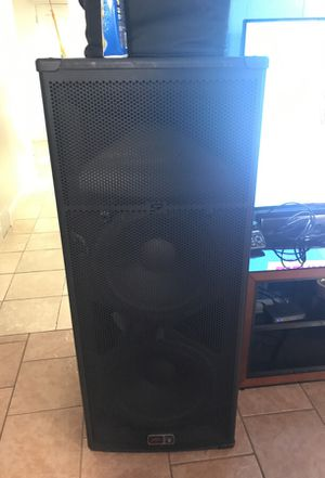 Two Peavey sp6 dj speakers very loud for Sale in Silver Spring, MD