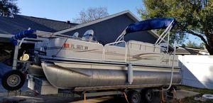 20 ft pontoon boat for Sale in Lakeland, FL