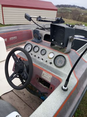 Bass Boat Norris Craft with Trailor for Sale in Rutledge, TN
