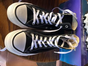 Black and white Converse for Sale in Paramount, CA