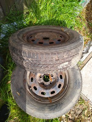 250/70/r15 set of tires used (2) with 5lug rim ( 2) only tire for Sale in Milton, FL
