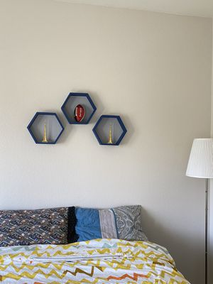 Wall decor/ honeycomb shelf for Sale in Elk Grove, CA