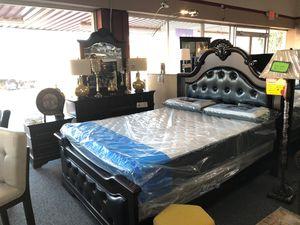 Dark brown finish queen 4 piece bedroom set for Sale in Irving, TX