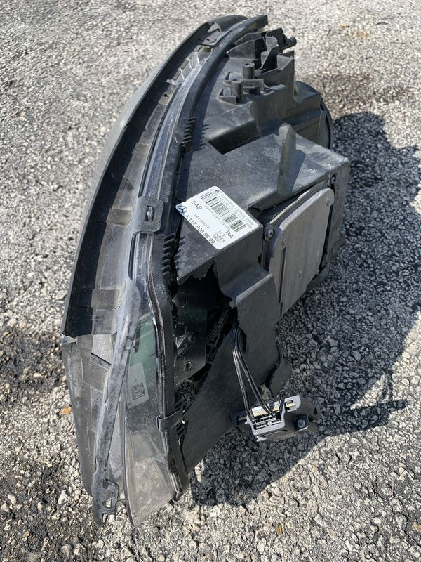 2014-2018 Mercedes-Benz CLA45 Headlight Parts (Passenger Side)
