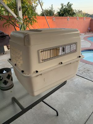 Dog kennel med-large size for Sale in El Monte, CA