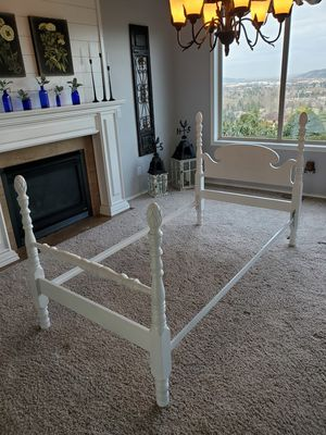 Tein bed frame for Sale in Puyallup, WA