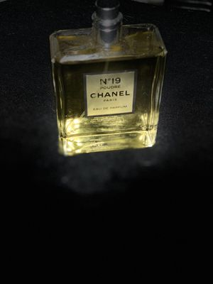 Woman's perfume Chanel No. 19 and Prada for Sale in Las Vegas, NV
