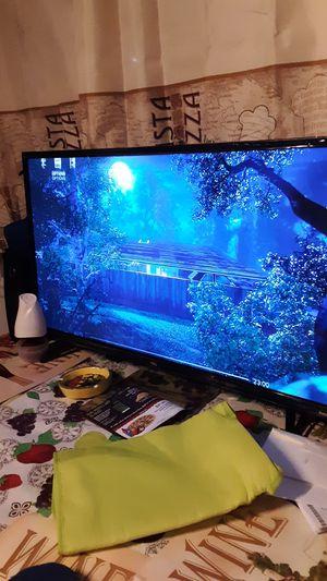 32 inch tcl roku tv for Sale in Manassas, VA