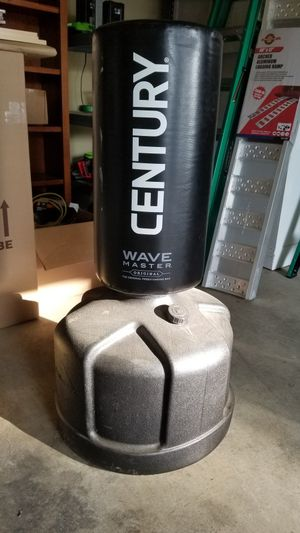 Century Wave master Punching bag Freestanding for Sale in Spring Hill, TN