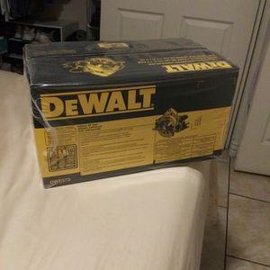 DEWALT CIRCULAR SAW for Sale in Phoenix, AZ
