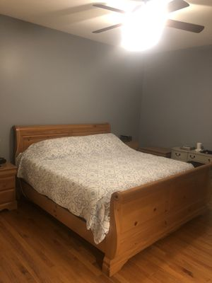 King bedroom set for Sale in Willow Spring, NC
