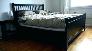 Queen Platform Bed Frame for Sale in Bellevue, WA