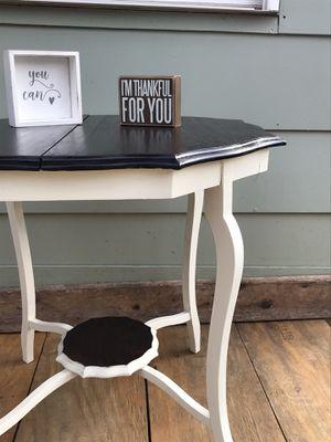 Antique accent table for Sale in Murfreesboro, TN