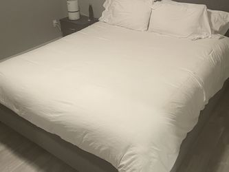 Rylee California King Upholstered Panel Bed for Sale in Las Vegas,  NV