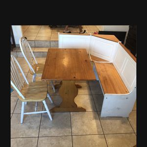 pick Up Pending Breakfast nook /dinner Table Great Space for Sale in National City, CA