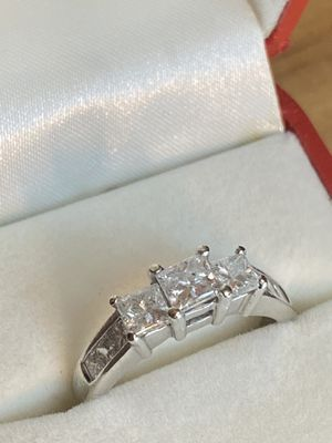 2ctw Genuine Diamonds! Princess Cut 3 Stone Ring + Side Stones 14kwg for Sale in St. Petersburg, FL